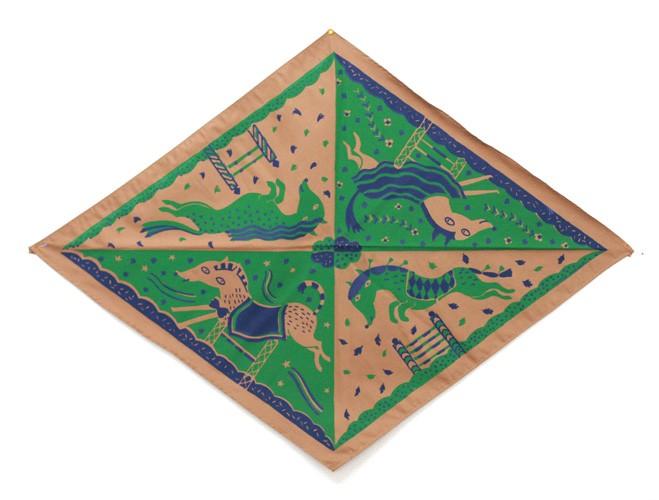 http://www.marienovion.com/files/gimgs/th-12_foulard-marron-ind.jpg